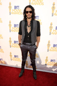 Russell Brand arrives on the red carpet of the 2010 MTV Movie Awards held at the Gibson Amphitheatre on June 6th 2010 at Universal Studios in California 1