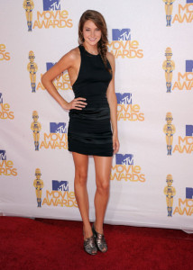 Shailene Woodley attends the 2010 MTV Movie Awards held at the Gibson Amphitheatre on June 6th 2010 at Universal Studios in California 3