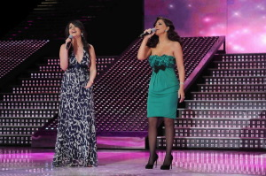 pictrure of the Star Academy 7 prime 16th finale during the performance of singer Elissa on stage singing with Asmae Mahalaoui