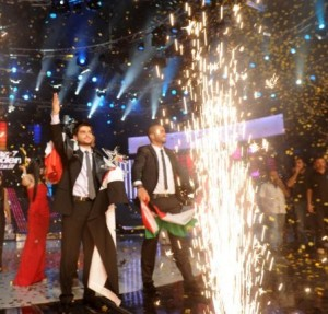 pictrure of the Star Academy 7 prime 16th finale while Nassif Zeitoun od Syria is announced as the winner 4