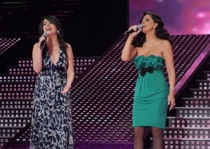 pictrure of the Star Academy 7 prime 16th finale during the performance of singer Elissa on stage singing with Asma Mahalaoui