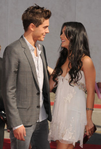 Zac Efron and Vanessa Hudgens arrive at the 2010 MTV Movie Awards held at the Gibson Amphitheatre on June 6th 2010 at Universal Studios in California 1