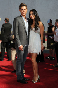 Zac Efron and Vanessa Hudgens arrive at the 2010 MTV Movie Awards held at the Gibson Amphitheatre on June 6th 2010 at Universal Studios in California 2