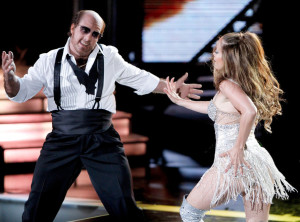 Jennifer Lopez performs on stage with Tom Cruise during the 2010 MTV Movie Awards held at the Gibson Amphitheatre on June 6th 2010 at Universal Studios in California 4