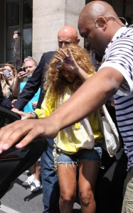 Beyonce spotted leaving the Meurice Palace on June 7th 2010 in Paris France 2