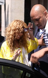 Beyonce spotted leaving the Meurice Palace on June 7th 2010 in Paris France 3