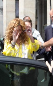 Beyonce spotted leaving the Meurice Palace on June 7th 2010 in Paris France 1