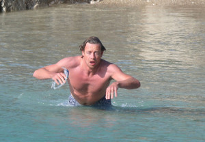 Simon Baker spotted on Jine 10th 2010 as he was swimming at the Saint Jean Cap Ferrat beach 4
