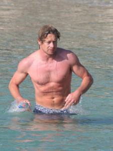 Simon Baker spotted on Jine 10th 2010 as he was swimming at the Saint Jean Cap Ferrat beach 3