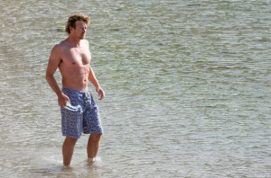 Simon Baker spotted on Jine 10th 2010 as he was swimming at the Saint Jean Cap Ferrat beach 8