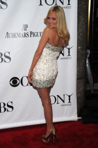 Kristen Chenoweth arrives at the 64th Annual Tony Awards at The Sports ClubLA on June 13th 2010 in New York City 4