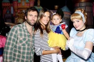 Alessandra Ambrosio with her daughter Anja at the DISNEY Princess Royal Court on March 14th 2010 in Paris 1