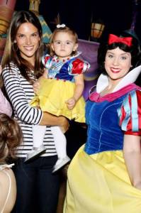 Alessandra Ambrosio with her daughter Anja at the DISNEY Princess Royal Court on March 14th 2010 in Paris 3