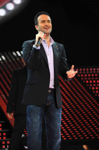 picture of the fifth Prime of star academy seven on March 26th 2010 with singer Ayman Zbeeb on stage