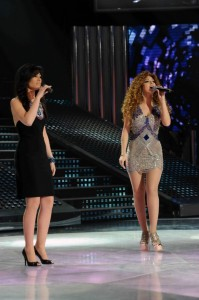 tenth prime of star academy 2010 on april 23rd 2010 picture of miriam fares singing with Tahra Hmamich