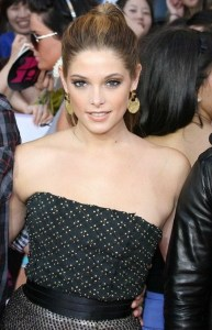 Ashlee Green arrives on the red carpet of the MuchMusic Video Awards on June 20th 2010 in Toronto Canada 1