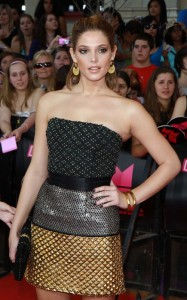 Ashlee Green arrives on the red carpet of the MuchMusic Video Awards on June 20th 2010 in Toronto Canada 4