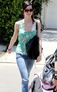 Ashlee Simpson attends a Reebok event on June 16th 2010 in Los Angeles 4