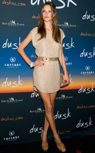 Alessandra Ambrosio arrives at  Dusks one year anniversary party in Atlantic City on June 19th 2010 in New Jersey 2