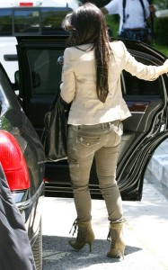 Kim Kardashian spotted on June 15th 2010 as she leaves a friends house in a swanky Beverly Hills 4