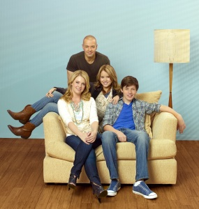 The comedy series Melissa and Joey free poster quality for print and desktop wallpaper 3