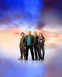 Poster of the cast of No Ordinary family TV series 3