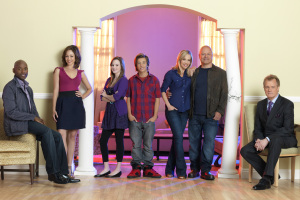 Poster of the cast of No Ordinary family TV series 2