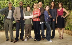 Poster of the cast of No Ordinary family TV series 1