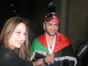 Mohamad Alqaq pictures as he reaches the Amman airport after he was eliminated from star academy 1