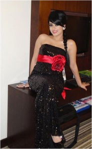 latest photo shoot of the star academy seven graduate Rahma Ahmed from Iraq weaing a black strapless dress 1