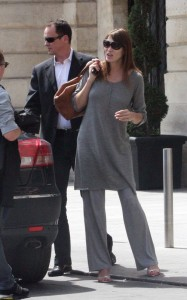 Carla Bruni Sarkozy picture as she was spotted on May 25th 2011at the Ritz hotel in Paris 1
