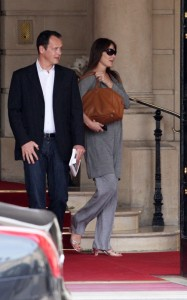 Carla Bruni Sarkozy picture as she was spotted on May 25th 2011at the Ritz hotel in Paris 3
