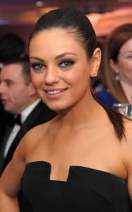 Mila Kunis picture as she attends the White House Correspondents dinner on April 30th 2011 wearing a black strapless dress 4