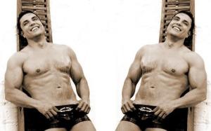 Osvaldo Rios topless photo shoots 3