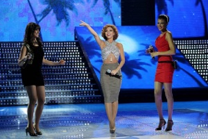 the thirteen prime of staracademy8 on June 24th 2011 picture of miriam fares with Umaima and Layan