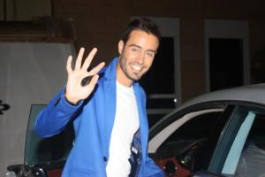 arrival picture of Saed Ramadan to the backstage of staracademy 15th prime on July 10th 2011 at the LBC building 3