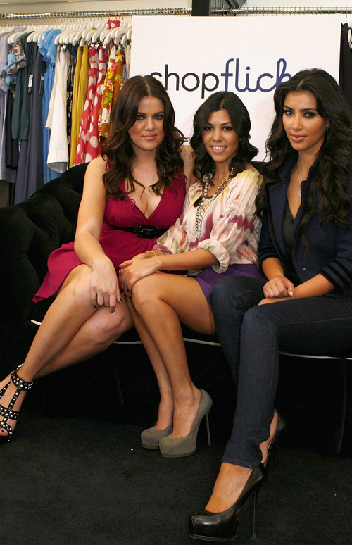 Kim Kardashians sisters Khloe and Kourtney want her to