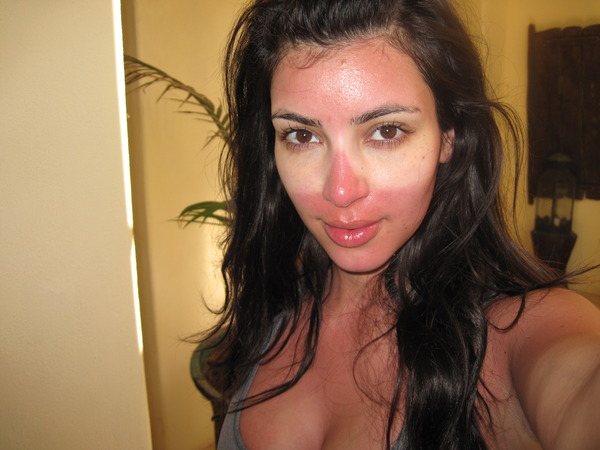 Kim Kardashian carefully crafted sunburns on April 16th 2009