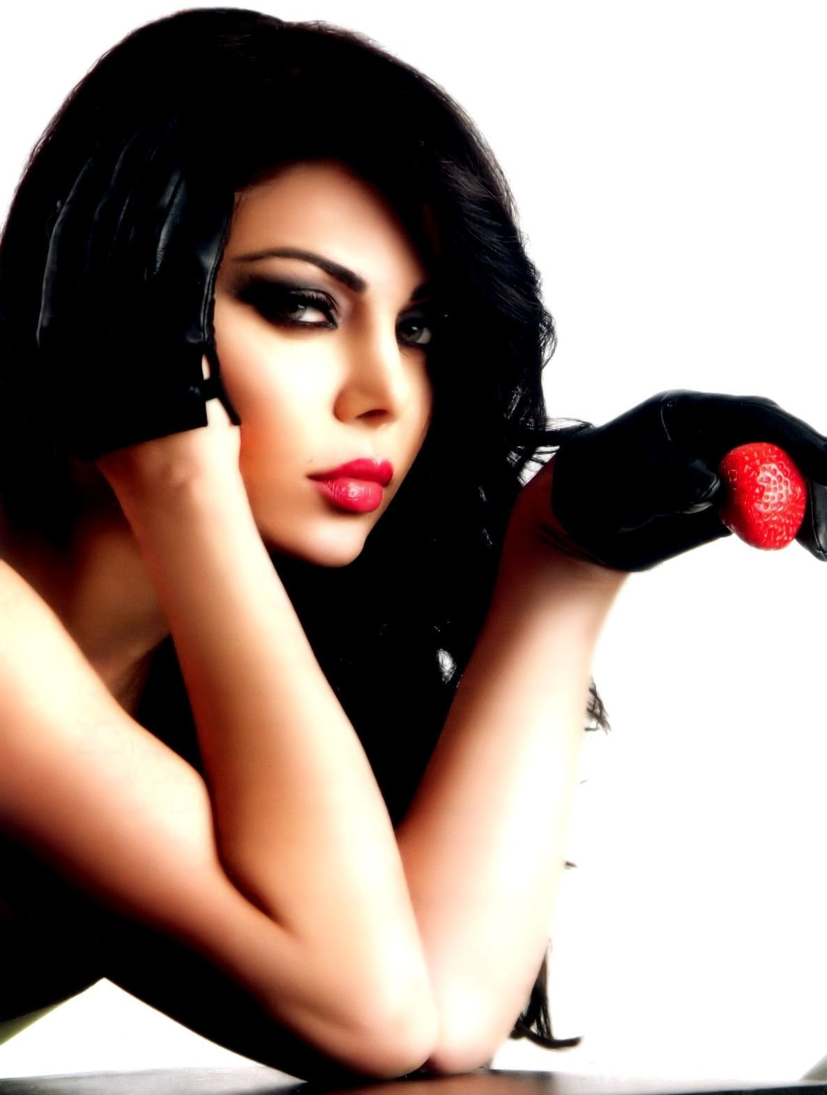 Vote For This Picture Haifa Wehbe Latest Desktop Wallpapers From