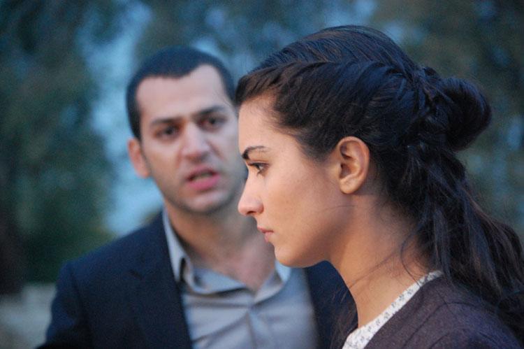 Asi Tuba Büyüküstün Murat Yıldırım: Pictures From The Turkish Drama Series Asi And Demir 15