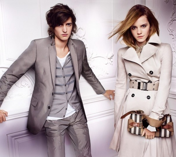 Emma Watson photo shoot for Burberry springsummer 2010 line campaign 7
