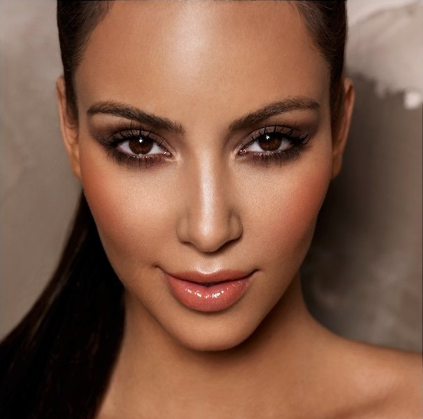 Vote for this picture Kim Kardashian face closeup photoshoot of may