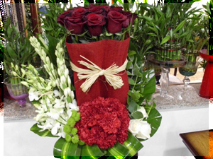 zhoory flower arragements