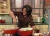 Rachael Ray cookinf at the show