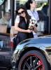 kim kardashian spotted Grabbing coffee from Starbucks on April 6th 2009 3
