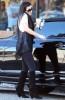 kim kardashian spotted Grabbing coffee from Starbucks on April 6th 2009 6