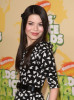 Miranda Cosgrove arrives at Nickelodeon's 2009 Kids Choice Awards