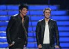 High Quality wallpaper of Adam Lambert and Kris Allen on stage of American Idol season Finale on May 20th 2009 1