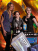 Cameron Diaz with Abigail Breslin and Sofia Vassilieva on stage during the 18th Annual MTV Movie Awards on May 31st 2009 2