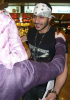 picture of Naser Abu Lafia arriving at Kuwait airport hugging his mother